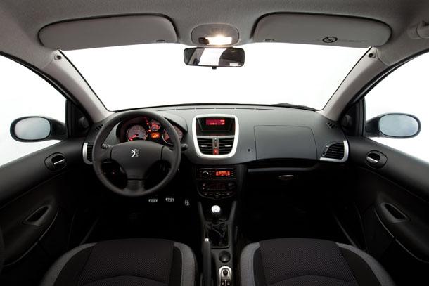 Peugeot 207 Compact 2012