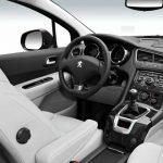 Peugeot 5008 interior (15)