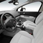 Peugeot 5008 interior (16)
