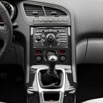 Peugeot 5008 interior (17)