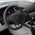Peugeot 5008 interior (20)