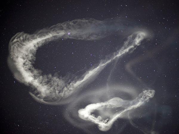 nasa-rocket-launch-strange-clouds-white