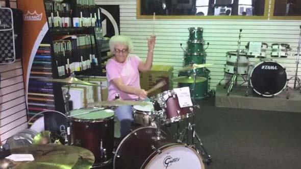 abuela baterista