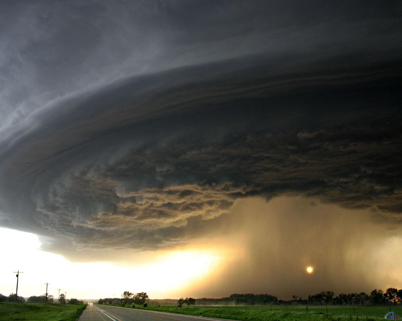 tornado-1280-x-1024